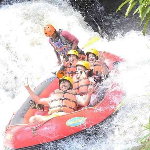 gambar rafting di sungai palayangan bandung
