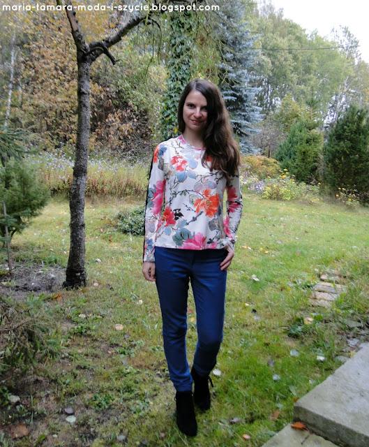 bluzka w kwiaty jesień