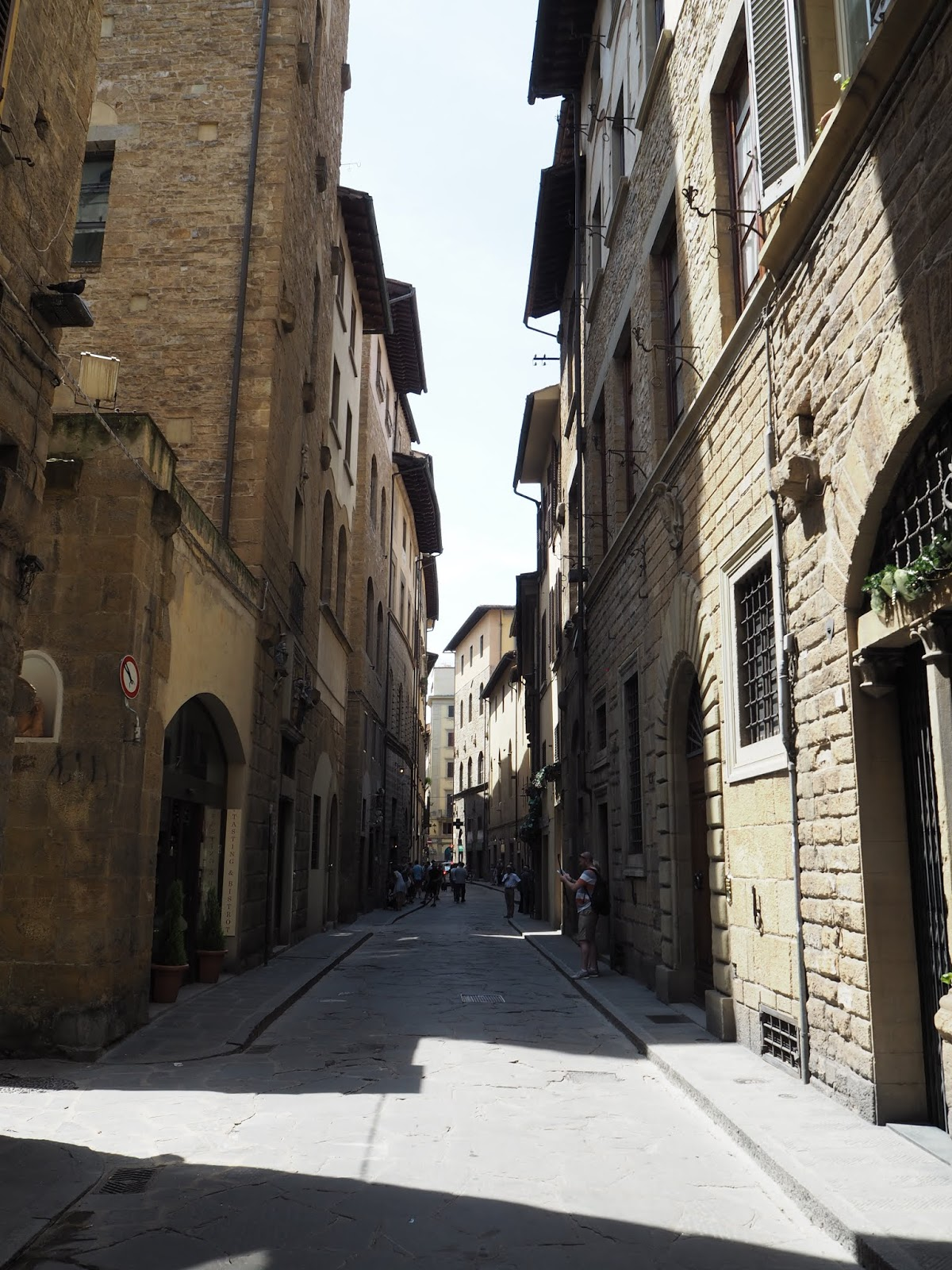 small narrow streets in florence
