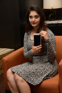 Surabhi at vivo phone launch 007