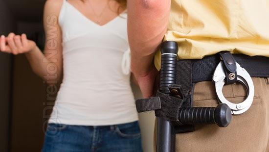 policiais gravar autorizacao morador entrar residencia