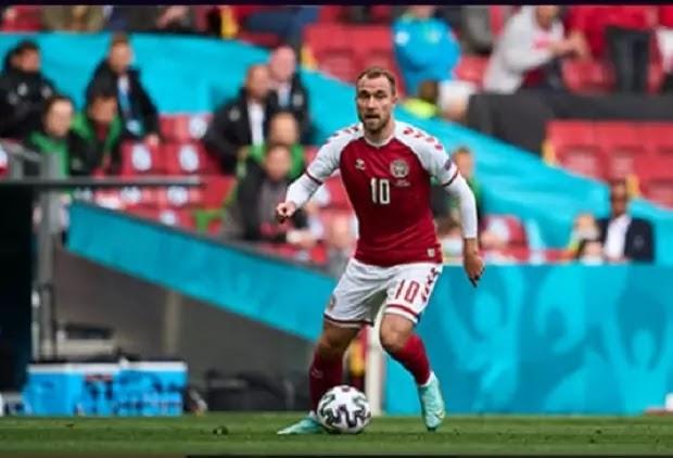 तस्वीर में दिख रहे यह फुटबॉलर, जिनका फिनलैंड के खिलाफ यूरो 2020 के एक मैच में मैदान पर ही कार्डिएक अरेस्ट हुआ, किस देश के लिए खेलते हैं?