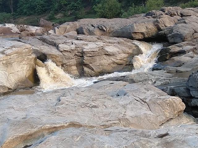 HALDI KARELI , dindori ke parytan sthal , dindori tourism hindi , dindori tourist place