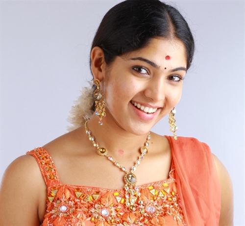 Muktha Telugu hot actress