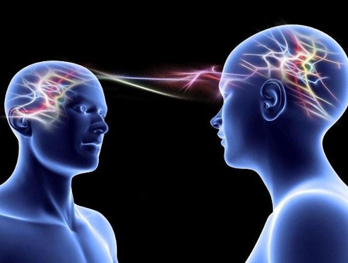 Telepati denen bir iletişim yolu olduğu söyleniyor. Bu, iki insanın beyinleri arasmdaki frekans kanalları aracılığıyla bazı mesajlar gönderiliyormuş. (Bazı yazılar bunun bir trans durumu olduğunu idda ediyor)Peki bunu denemek veya yapmak caiz midir, dinimizde böyle bir şey var mıdır?  Bunu günümüzde kötü amaçla yapanlarda vardır. Bunu sitemizden uzunca yazılan yazılardan öğrenebilirler.