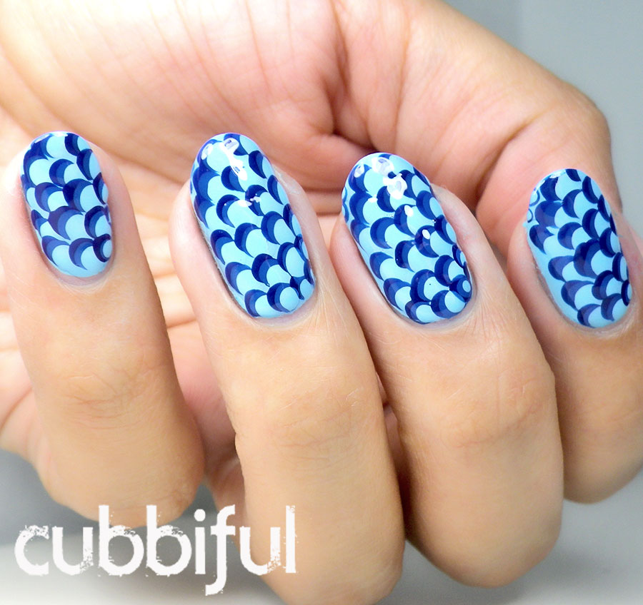 blue scallop nails