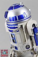 S.H. Figuarts R2-D2 35