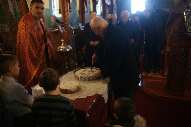 Θεσπρωτία: Για τα παιδιά και τους παππούδες έκοψε βασιλόπιτες η ενορία Κεστρίνης την 1η ημέρα του καινούργιου χρόνου