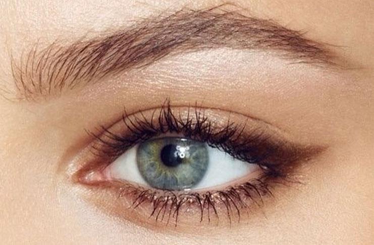 Αποτέλεσμα εικόνας για Με αυτό το τρικ τα μάτια σας θα δείξουν αμέσως μεγαλύτερα