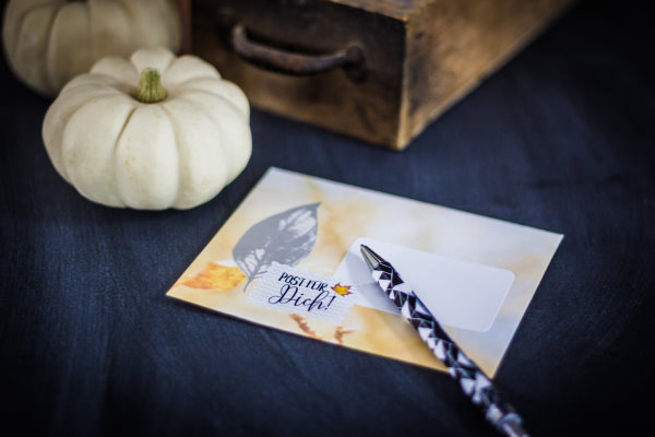 Im Herbst Briefe schreiben - Aufkleber für die Post