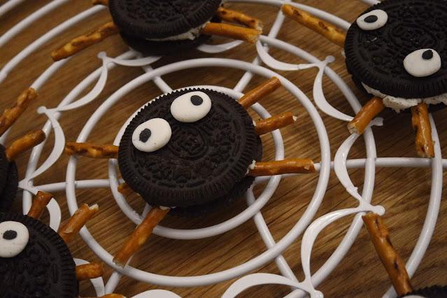 kinder rezepte halloween Kekse spinnen