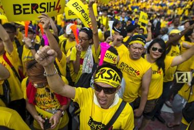 Malezya'da Sarı Giymek