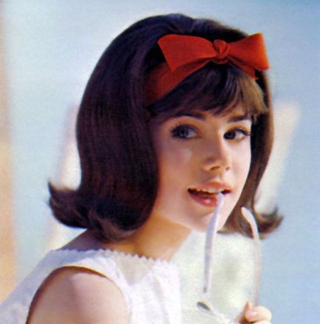 These Cool Pics Show Headband Styles That Women Often Wore From The 1960s Vintage Everyday