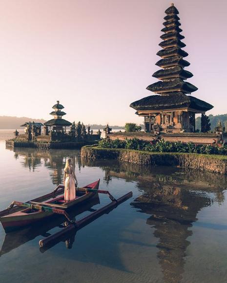 Lake Bratan, Tempat Wisata Selain Pantai di Bali yang instagramable