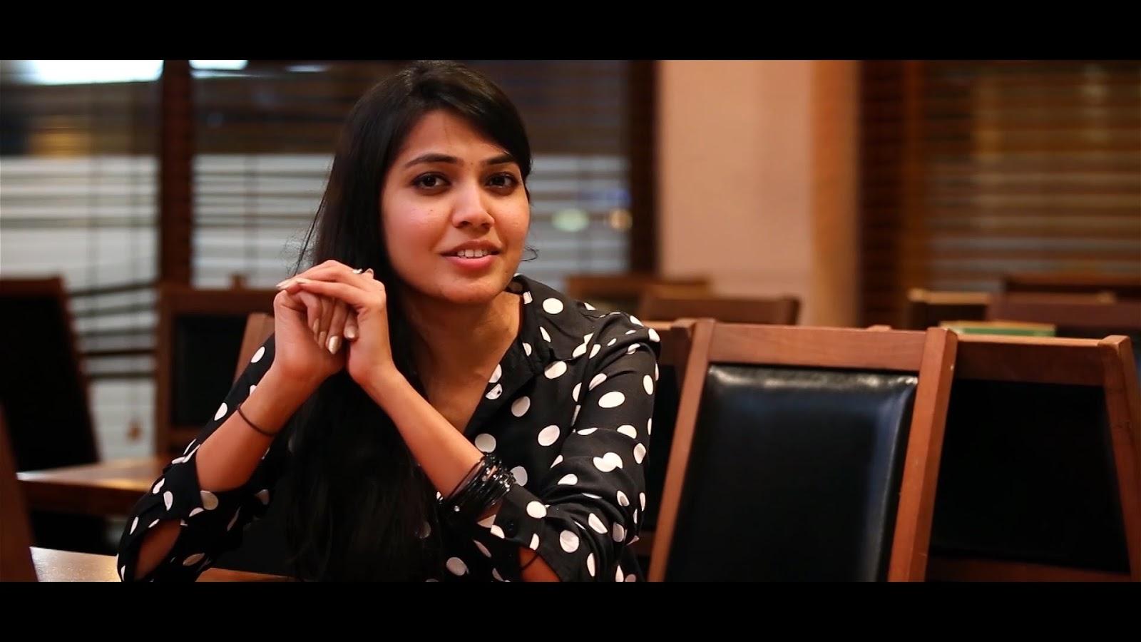 Vijay's Mersal Sister VJ Shana Mahendran