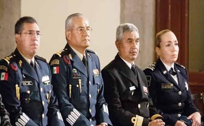 Seguridad, militares, almirantes