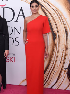 Rachel Roy in a bright red off the shoulder gown at the 2016 CFDA Fashion Awards