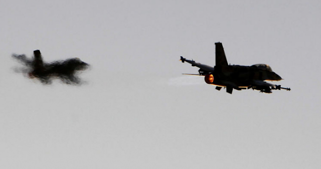 Παραλίγο τραγωδία σε αερομαχία στο Αιγαίο