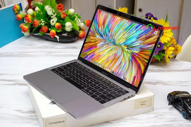 Macbook Pro 2017 Tuoch bar