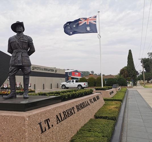 Lt Albert Borella sculpture by Paul Smits in Albury
