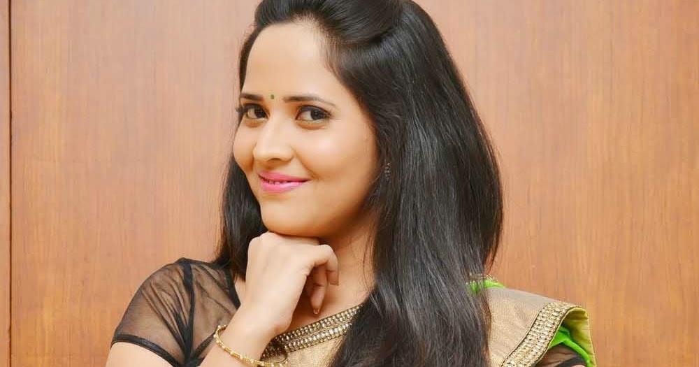 Telugu Tv Anchor Anasuya Hip Navel Show In Green Saree