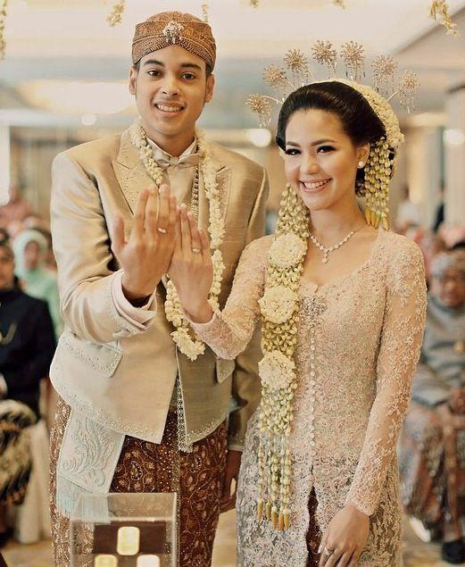 82+ Model Kebaya Pengantin Modern Muslim Masa Kini ..!! WikiGrosir – Alaidrous