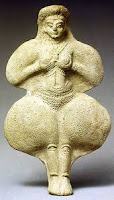A figurine of Goddess of Lover and War, Ishtar statue from early dynastic period.