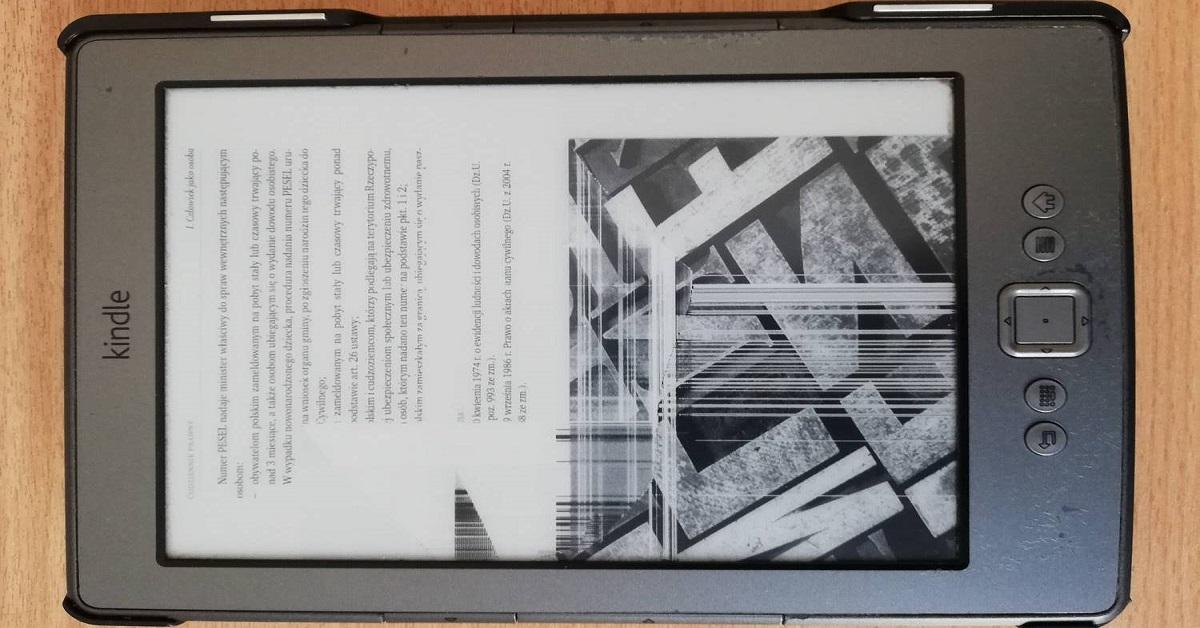 Uszkodzenie ekranu w Kindle Classic