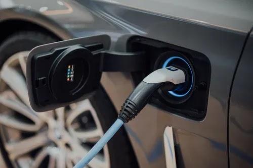 ما هو محرك السيارة الكهربائية وكيف يعمل؟
