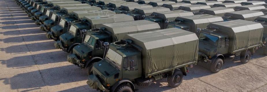 Литовська армія отримала 142 вантажівки Unimog