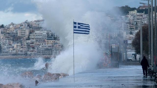 Τα νησιά του Ιονίου και την Δυτική Πελοπόννησο πλήττει ο Μεσογειακός κυκλώνας «Ιανός»