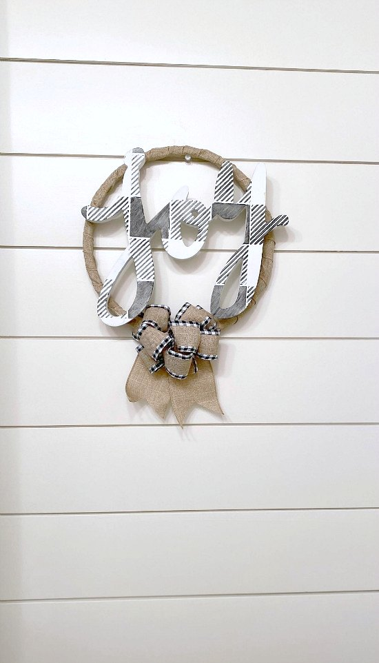Burlap Holiday Wreath Made with Repurposed Parts