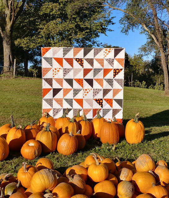 HST Halloween quilt made with Cats, Bats, & Jacks fabric by Riley Blake Designs