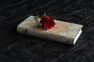 3 Puisi Putus Cinta Penuh Kesedihan