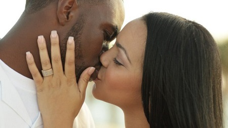 Do You Know Why We Kiss With Our Eyes Closed? Psychologists Makes Interesting Revelation About it