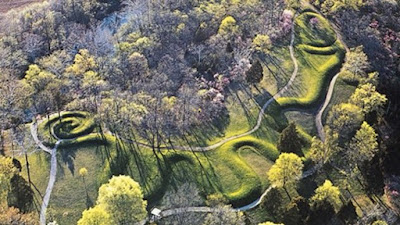 Who Built The Great Serpent Mound? Great-Serpent-Mound