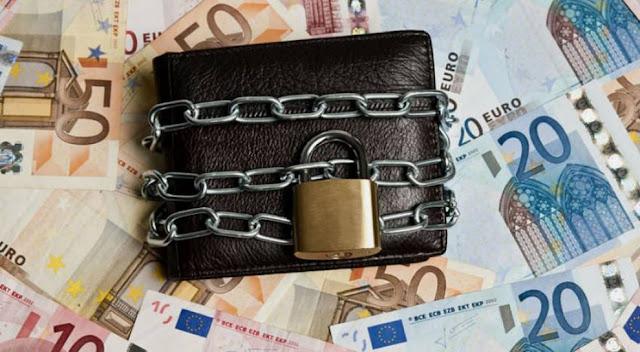 Ανδριανός σε Τσακαλώτο: Σημαντικά προβλήματα δημιουργεί η δέσμευση τραπεζικών λογαριασμών επαγγελματιών και μικρομεσαίων επιχειρήσεων