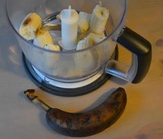 ciasto bananowe z borówkami i kruszonką