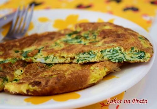 Como fazer omelete de espinafre de um jeito simples e fácil.