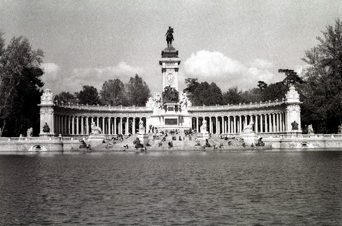 Madrid,  Parque del Retiro, © L. Gigout, 1991