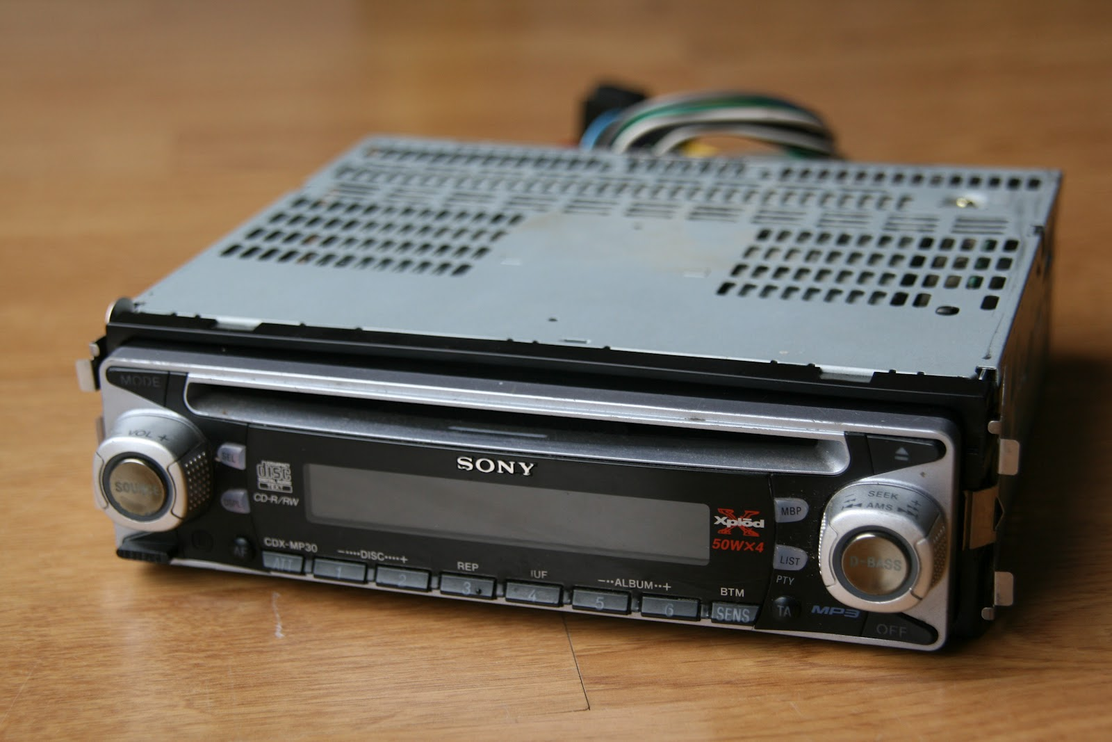 hight resolution of a sony car stereo for my cheap car project it s a 2002