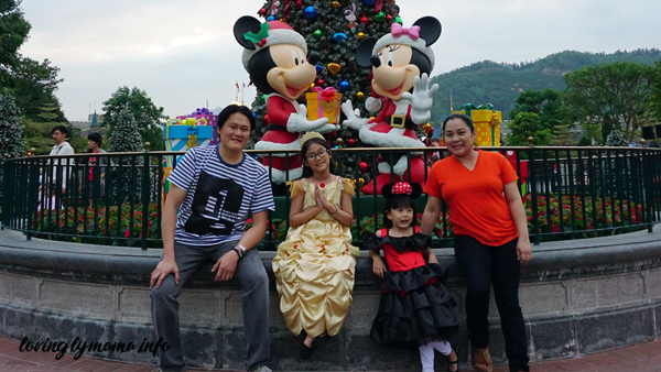 Christmas in Hong Kong Disneyland