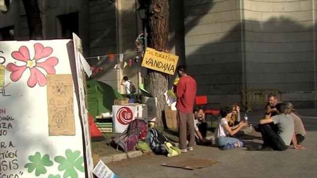 Activistas protagonizan la desobediencia por el clima en España