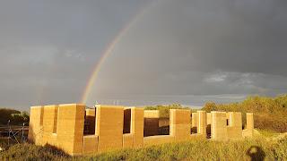 #rammedearth #rammedearthbuilding #rammedearthwalls