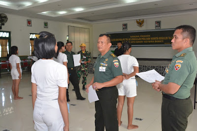 Kasrem 162/WB Pimpin Parade Secaba Unggulan dan Wanita Reguler Sub Panda NTB