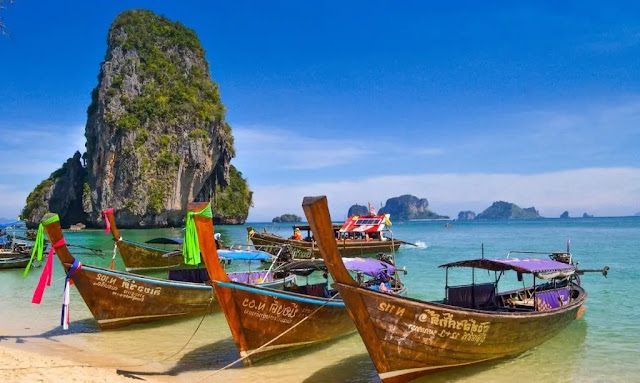 1. Thailand, the Land of Smiles
