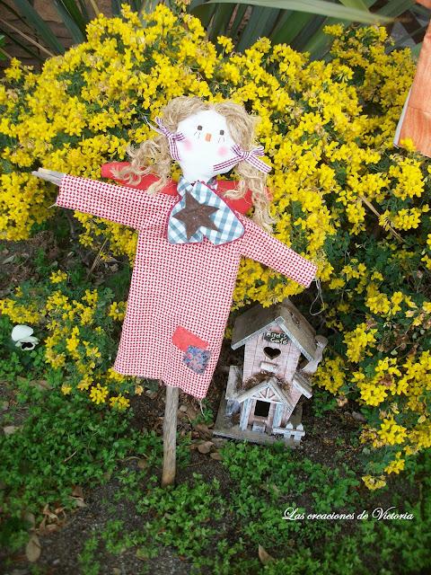Las creaciones de Victoria.Country.Angeles para el jardín.Muñecos