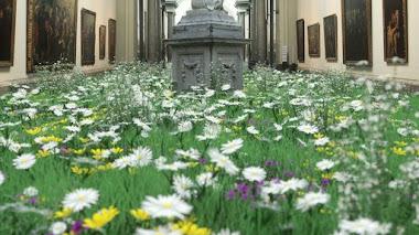 Las flores y el arte digital de Timo Helgert se unen para escapar del confinamiento