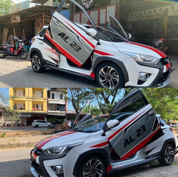 Toyota Yaris modifiasi pintu gunting