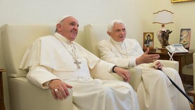 imagem do Papa Francisco e Papa Bento XVI
